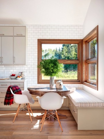 Creative Banquette Seating Ideas For Kitchen28