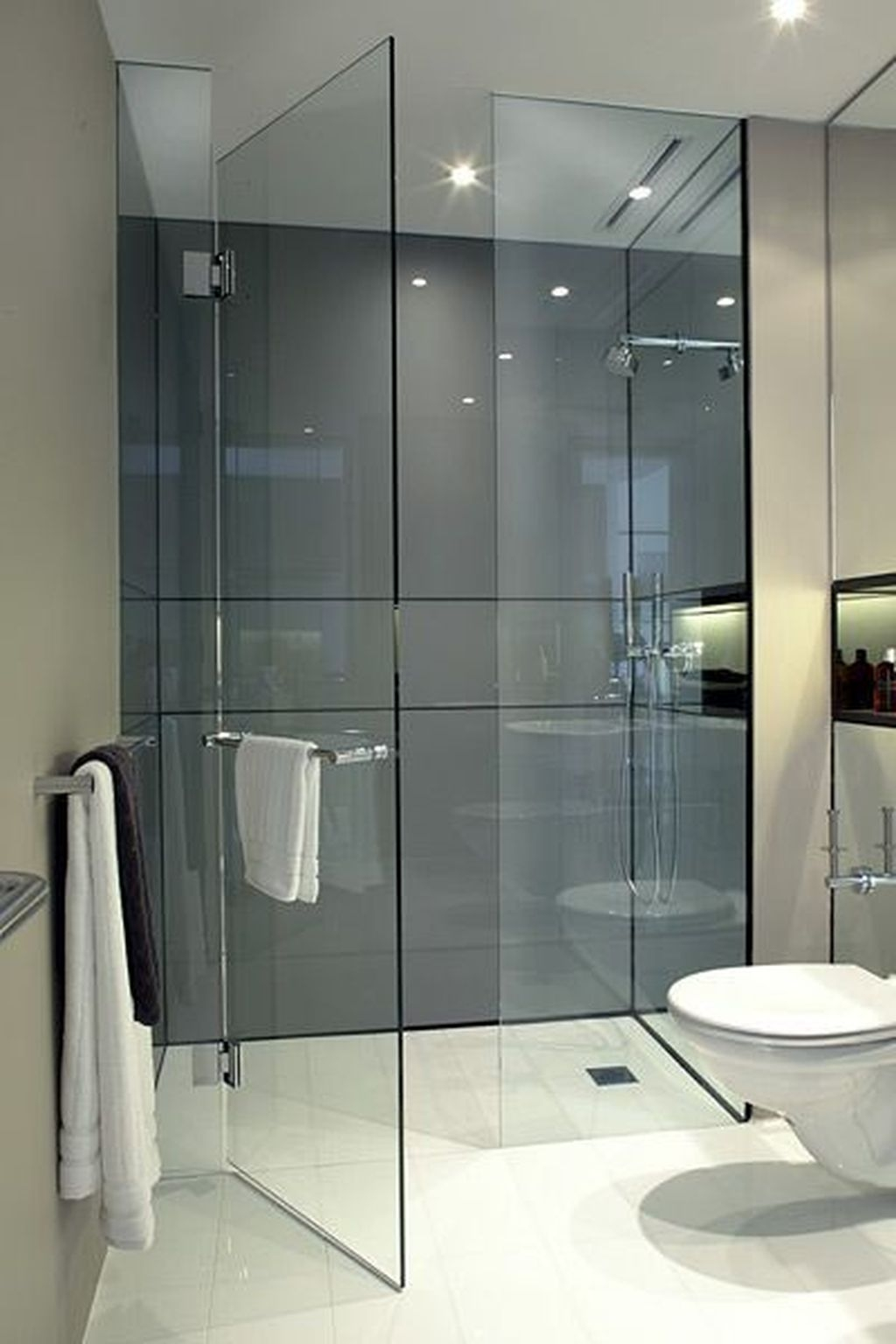Incredible Curbless Shower Ideas For House20