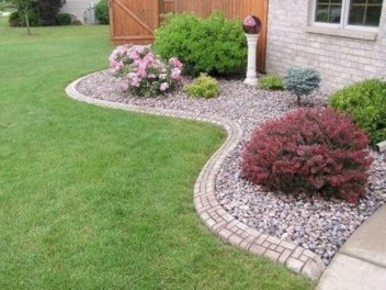 Inexpensive Front Yard Landscaping Ideas16