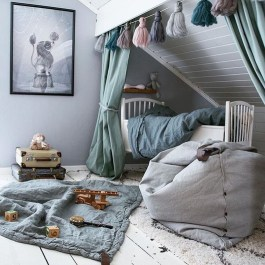 Affordable Attic Kids Room Decor Ideas21