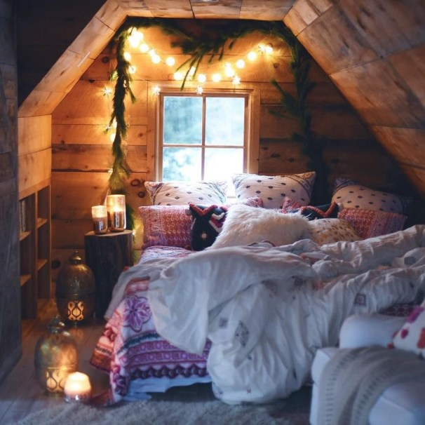 Affordable Attic Kids Room Decor Ideas32