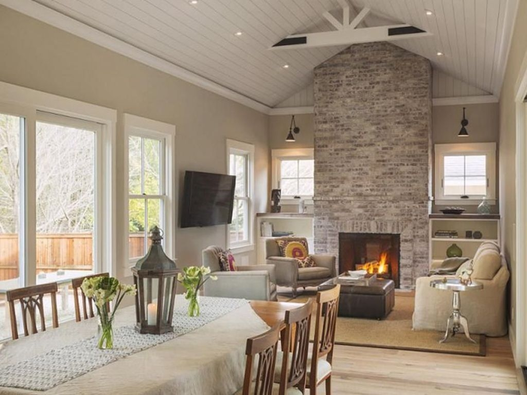Modern Brick Fireplace Decorations Ideas For Living Room08