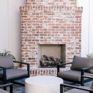 Modern Brick Fireplace Decorations Ideas For Living Room38