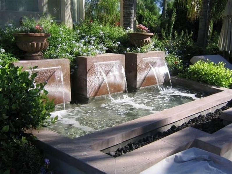Stylish Outdoor Water Walls Ideas For Backyard06