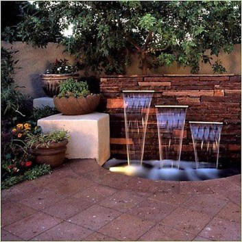 Stylish Outdoor Water Walls Ideas For Backyard39