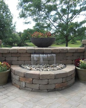 Stylish Outdoor Water Walls Ideas For Backyard42