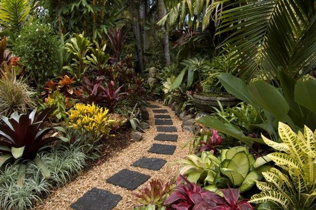 20+ Wonderful Tropical Landscaping Ideas For Garden ... on Tropical Patio Ideas id=31816