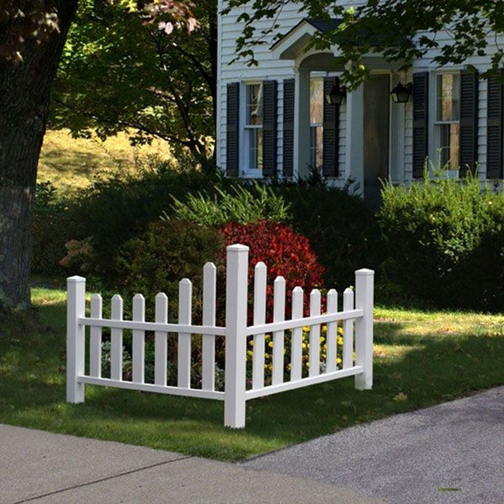 Beautiful Front Yard Cottage Ideas For Garden Landscaping22