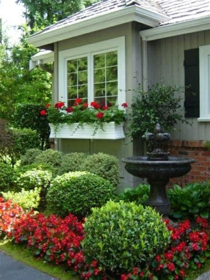 Beautiful Front Yard Cottage Ideas For Garden Landscaping33