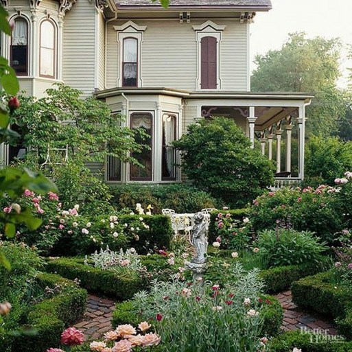 Beautiful Front Yard Cottage Ideas For Garden Landscaping48