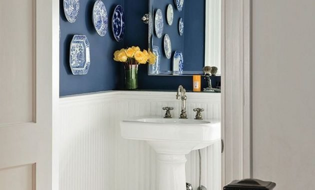 Charming Bathroom Décor Ideas With Blue Colors44
