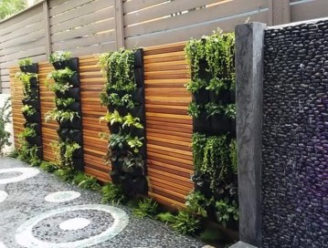 Cute Living Wall Décor Ideas For Indoor And Outdoor25