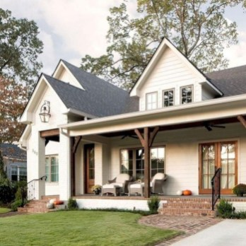 Popular Farmhouse Exterior Design Ideas25