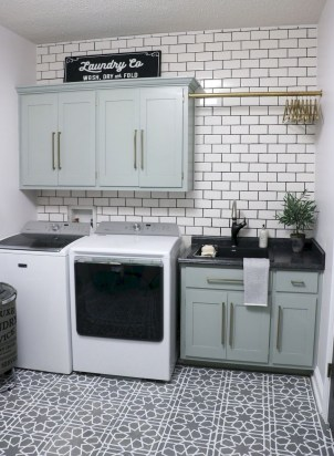 Popular Farmhouse Laundry Room Design Ideas15