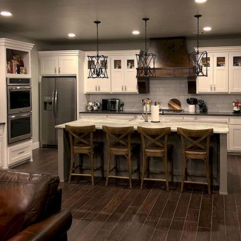 Pretty Farmhouse Kitchen Design Ideas To Get Traditional Accent46