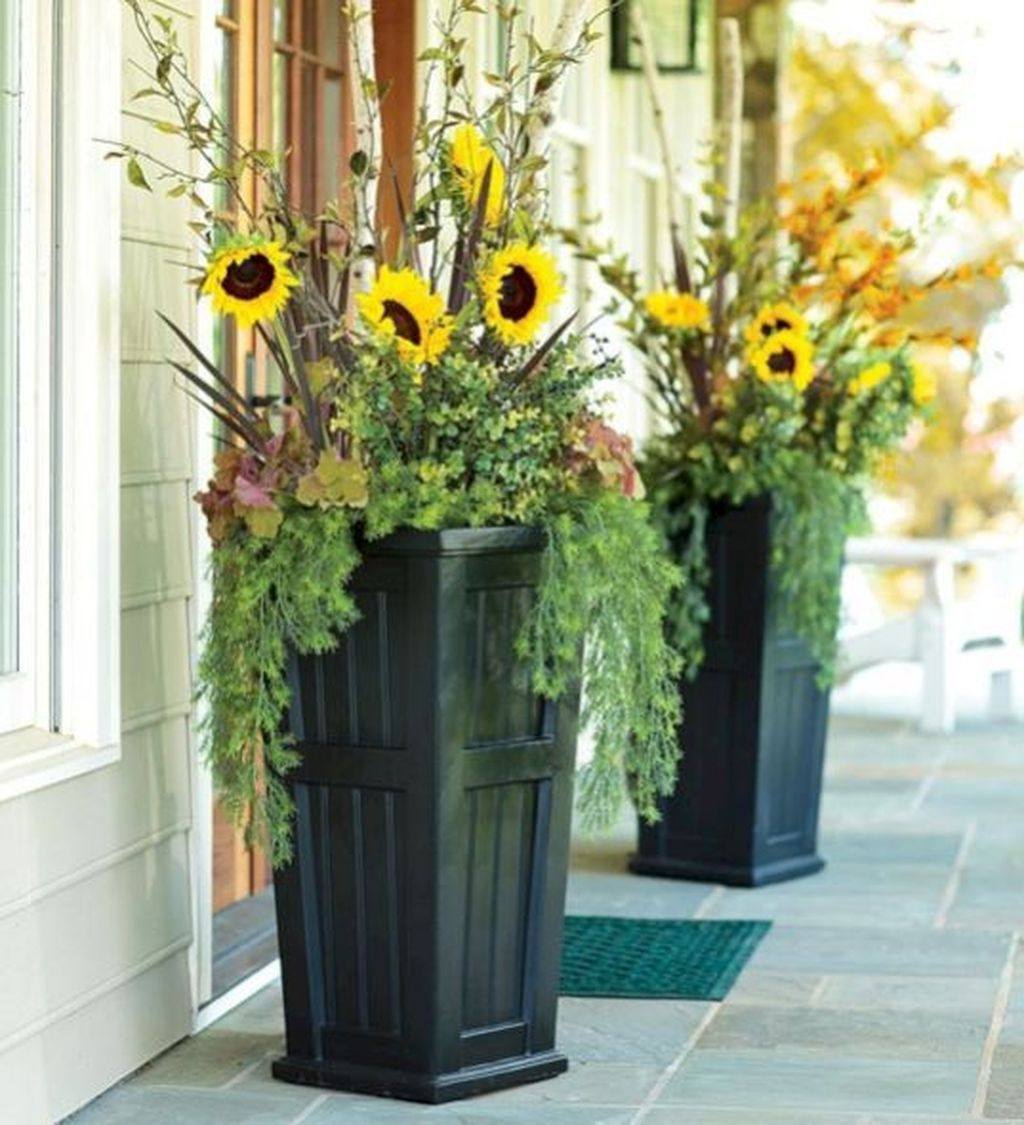 Adorable Porch Planter Ideas That Will Give A Unique Look34