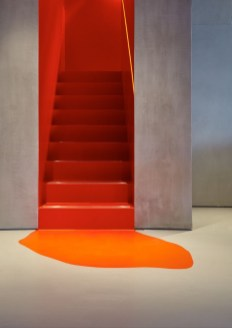 Beautiful Color Ideas For Your Stairs Decoration28