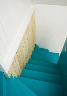 Beautiful Color Ideas For Your Stairs Decoration37