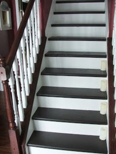 Beautiful Color Ideas For Your Stairs Decoration43