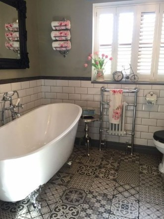 Charming Traditional Bathroom Decoration Ideas Just Like This19