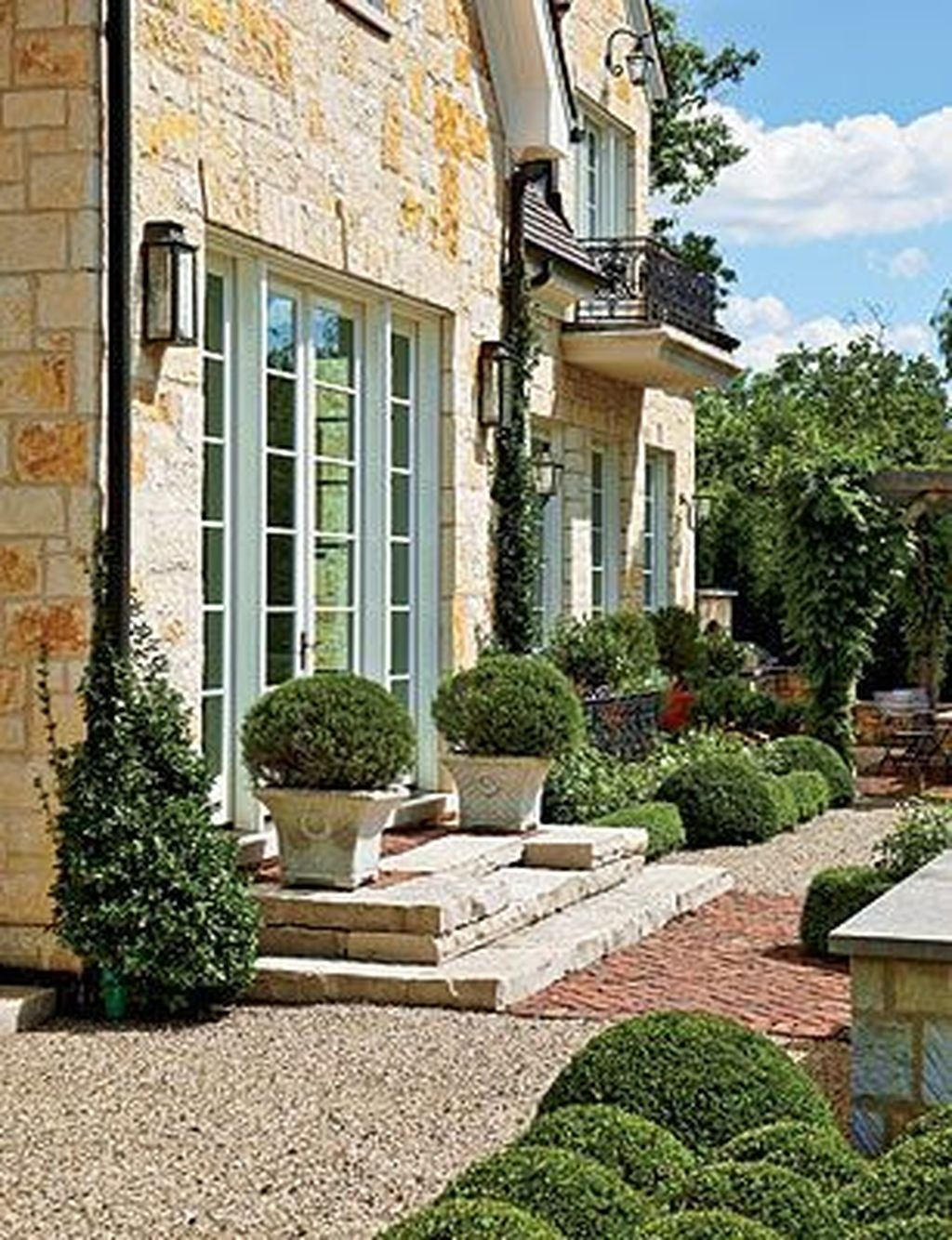 Cute Landscaping Ideas You Can Put In House Page03