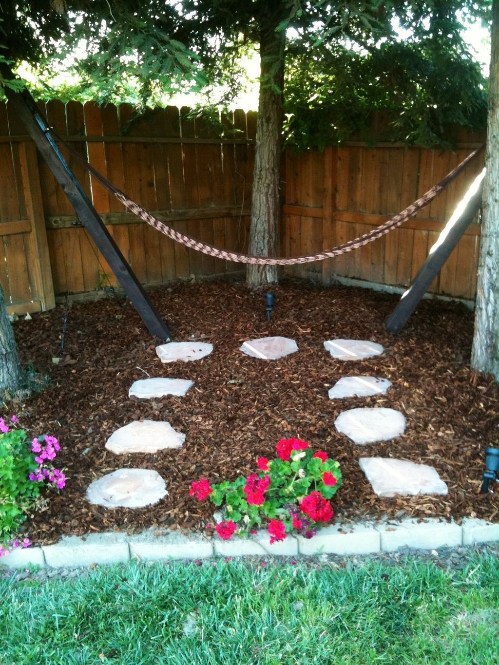 Fascinating One Day Backyard Project Ideas For Outdoor Space45