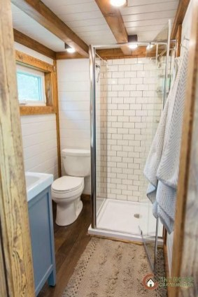 Fascinating Rv Remodel Ideas For Bathroom On A Budget32