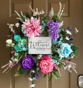 Pretty Front Door Wreath Ideas09