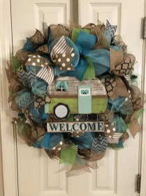 Pretty Front Door Wreath Ideas10