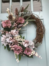 Pretty Front Door Wreath Ideas11
