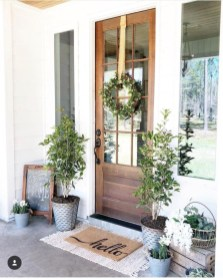 Pretty Front Door Wreath Ideas13