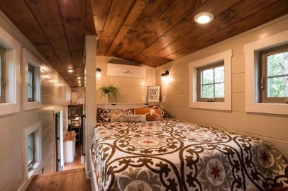 Rustic Tiny House Design Ideas With Two Beds02