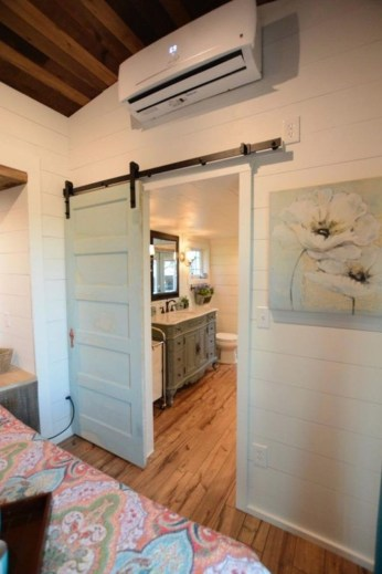 Rustic Tiny House Design Ideas With Two Beds39