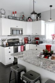Best Kitchen Decorating Ideas That You Can Easily Try In Your Home19
