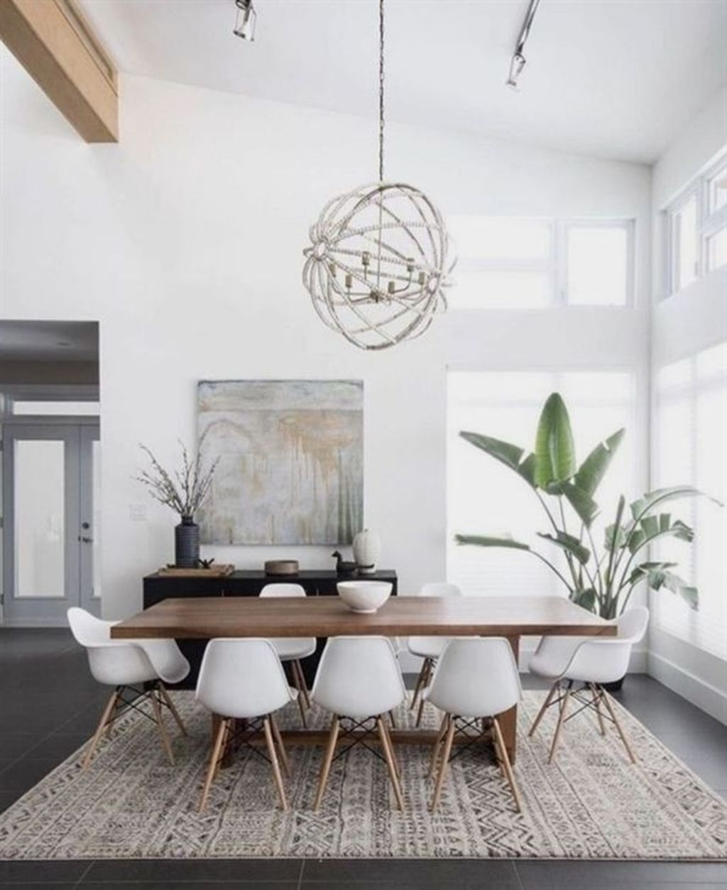 Best Minimalist Dining Room Design Ideas For Dinner With Your Family25