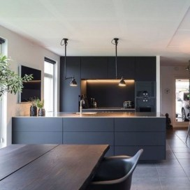 Elegant Black Kitchen Design Ideas You Need To Try03