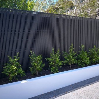 Smart Backyard Fence And Garden Design Ideas For Your Garden03