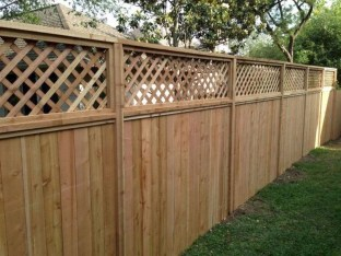 Smart Backyard Fence And Garden Design Ideas For Your Garden22