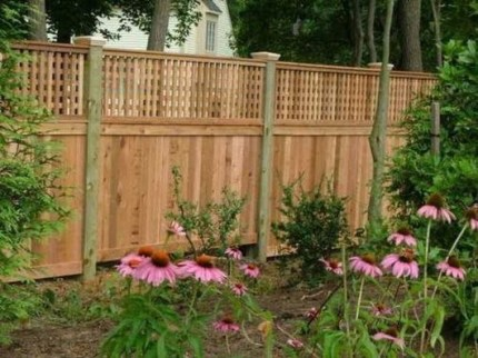 Smart Backyard Fence And Garden Design Ideas For Your Garden36