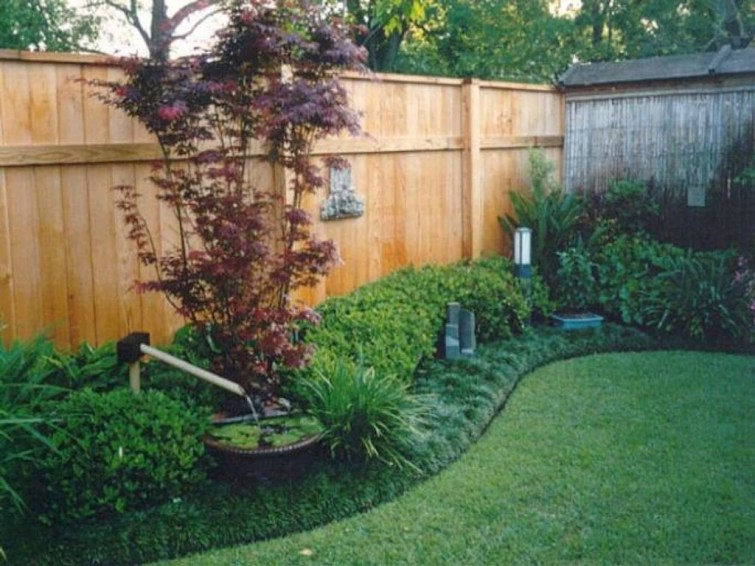 Smart Backyard Fence And Garden Design Ideas For Your Garden44
