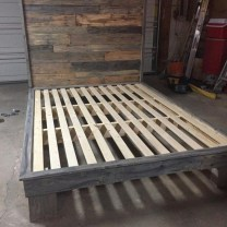 Unordinary Recycled Pallet Bed Frame Ideas To Make It Yourself07