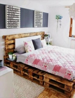 Unordinary Recycled Pallet Bed Frame Ideas To Make It Yourself31