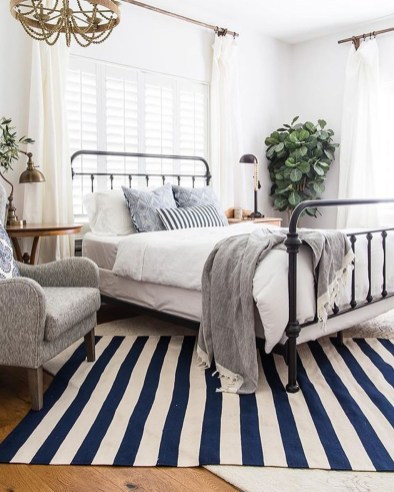 Awesome Bedroom Rug Ideas To Try Asap03