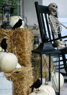 Awesome Scary Halloween Porch Ideas To Try Today18