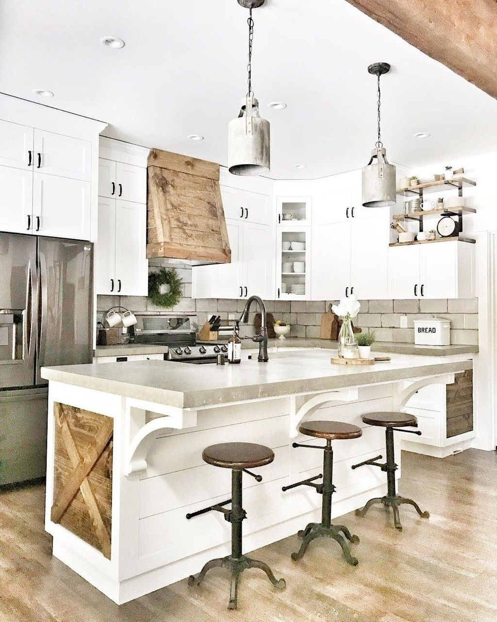 Beautiful Farmhouse Kitchen Décor And Remodel Ideas For You14