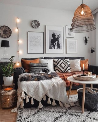 Comfy Living Room Decor Ideas To Make Anyone Feel Right At Home07