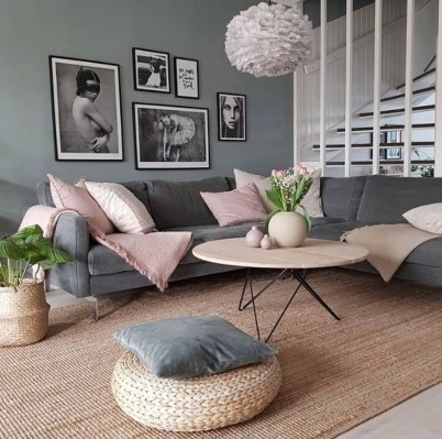 Comfy Living Room Decor Ideas To Make Anyone Feel Right At Home22