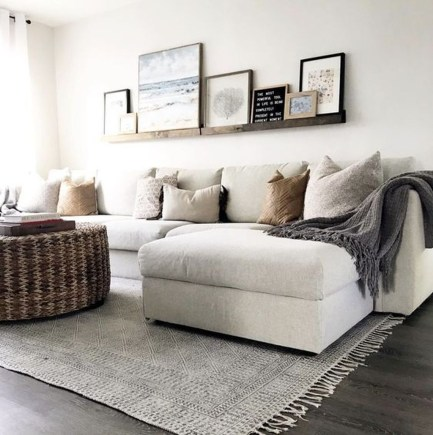 Comfy Living Room Decor Ideas To Make Anyone Feel Right At Home31