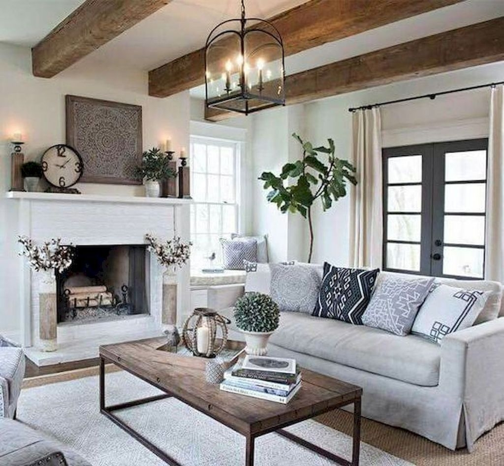 Cool Farmhouse Living Room Decor Ideas You Must Have24