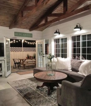 Cool Farmhouse Living Room Decor Ideas You Must Have31